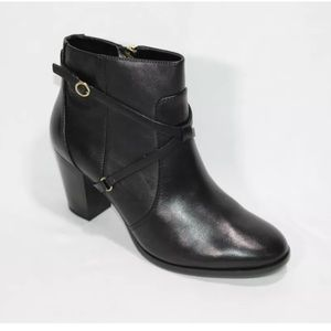 Isaac mizrahi live black ankle booties